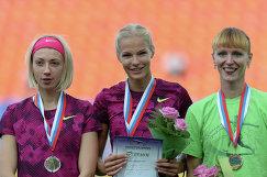 Анна Кляшторная, Дарья Клишина и Ольга Балаева (слева направо)