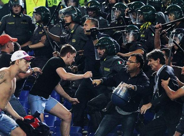 Болельщики на матче «Рома» — ЦСКА